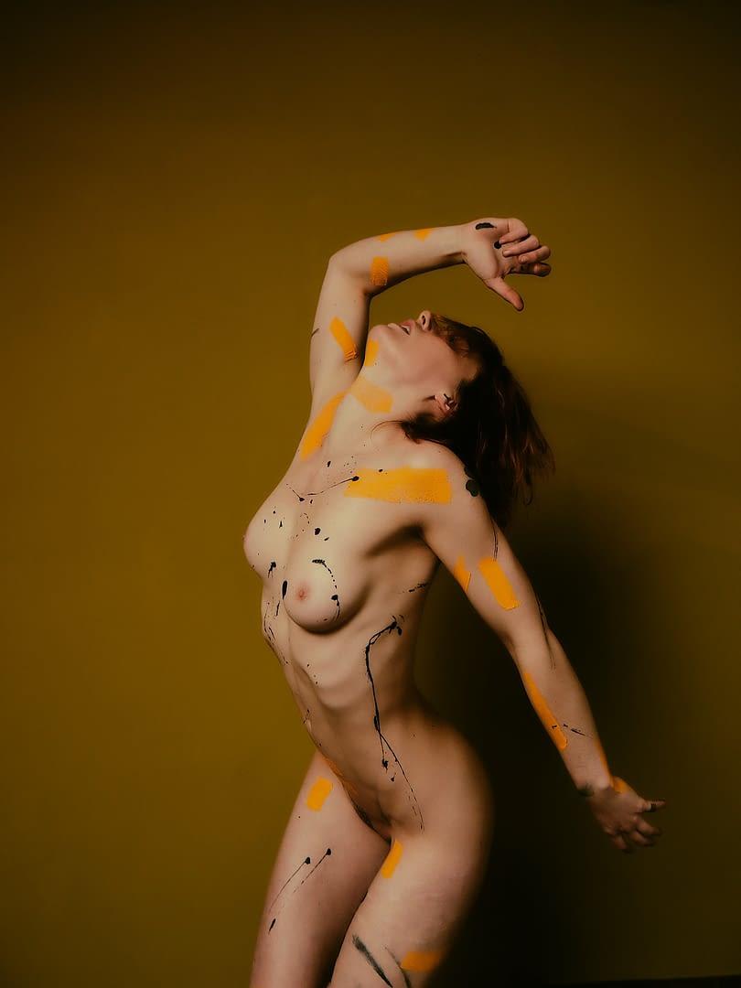 Yellow - Aktfotografie Serie mit Muriel la Roja - 2020