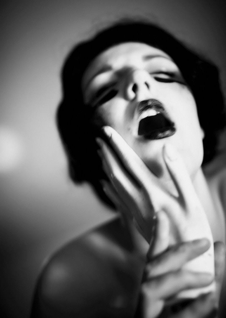 Hold | fine-art Nude, konzeptionelle Aktfotografie 4