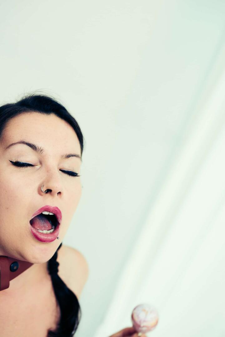 Suck & Choke | Fine-Art Nude - about the fun of Choking 2