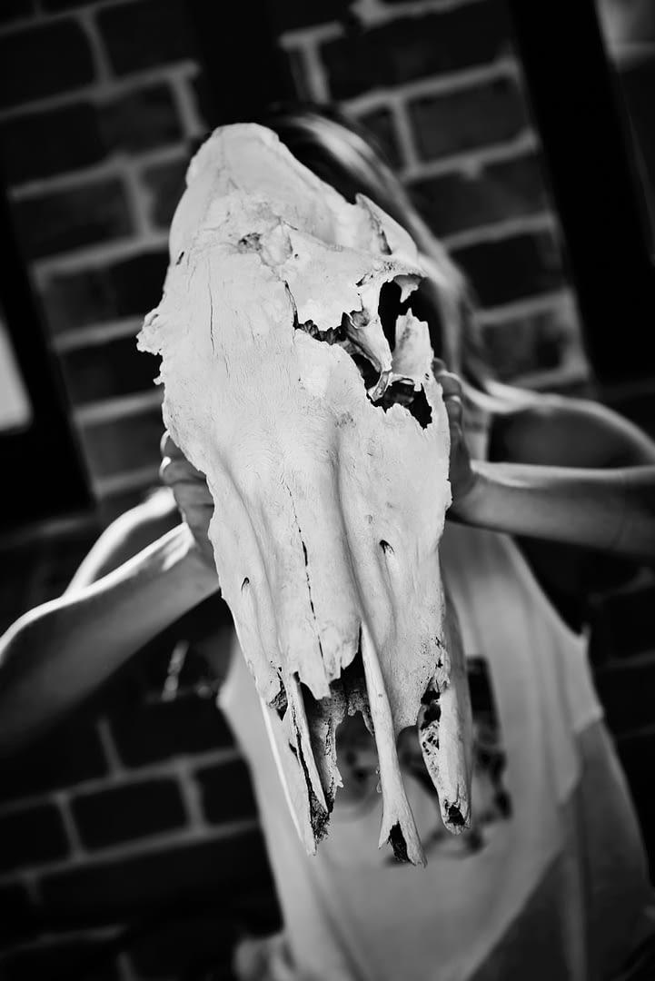MEMENTO MORI | MIA FLORENTINE WEISS | Künstler Portrait 10