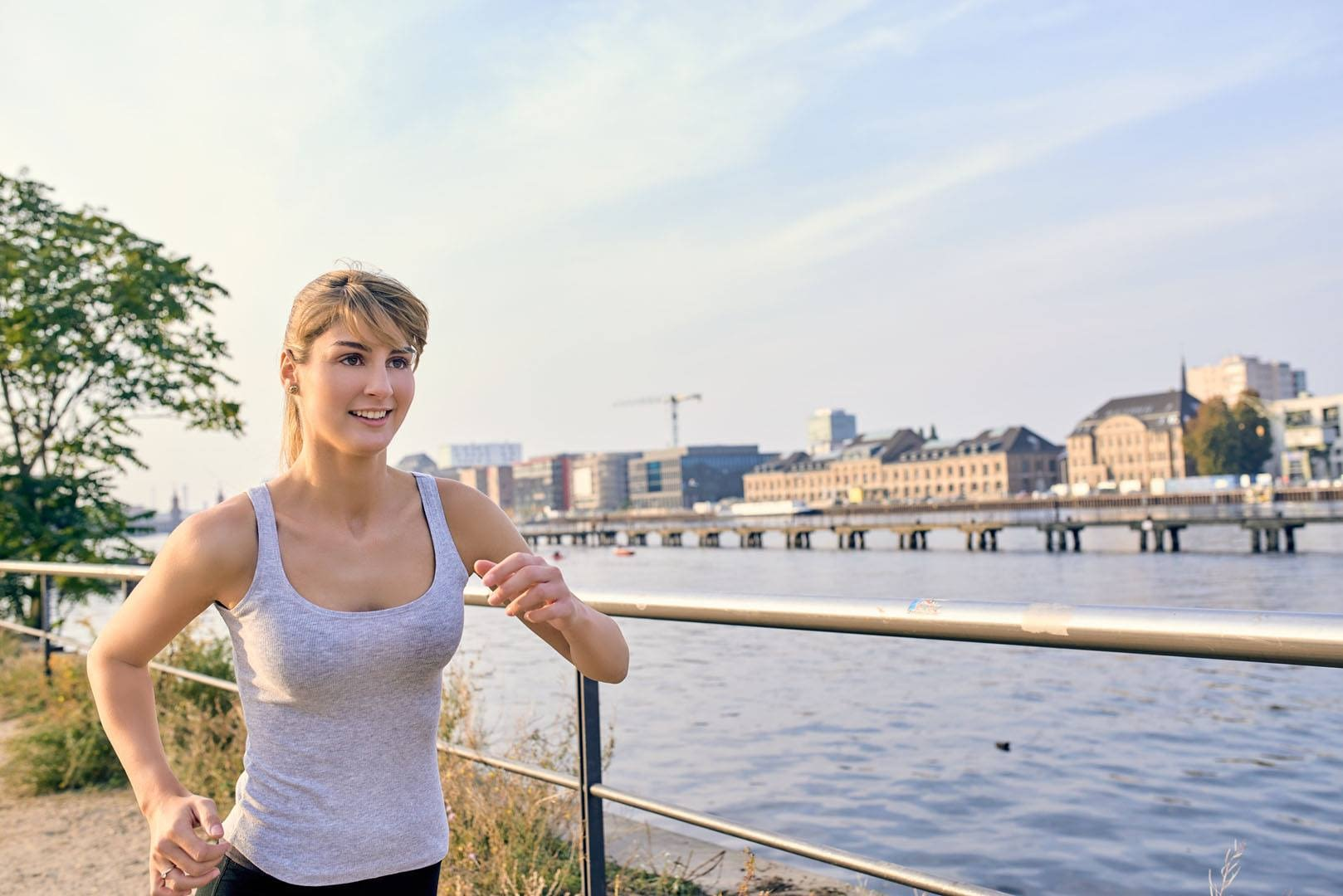 Sport & Lifestyle Editorial: Running along the Spree