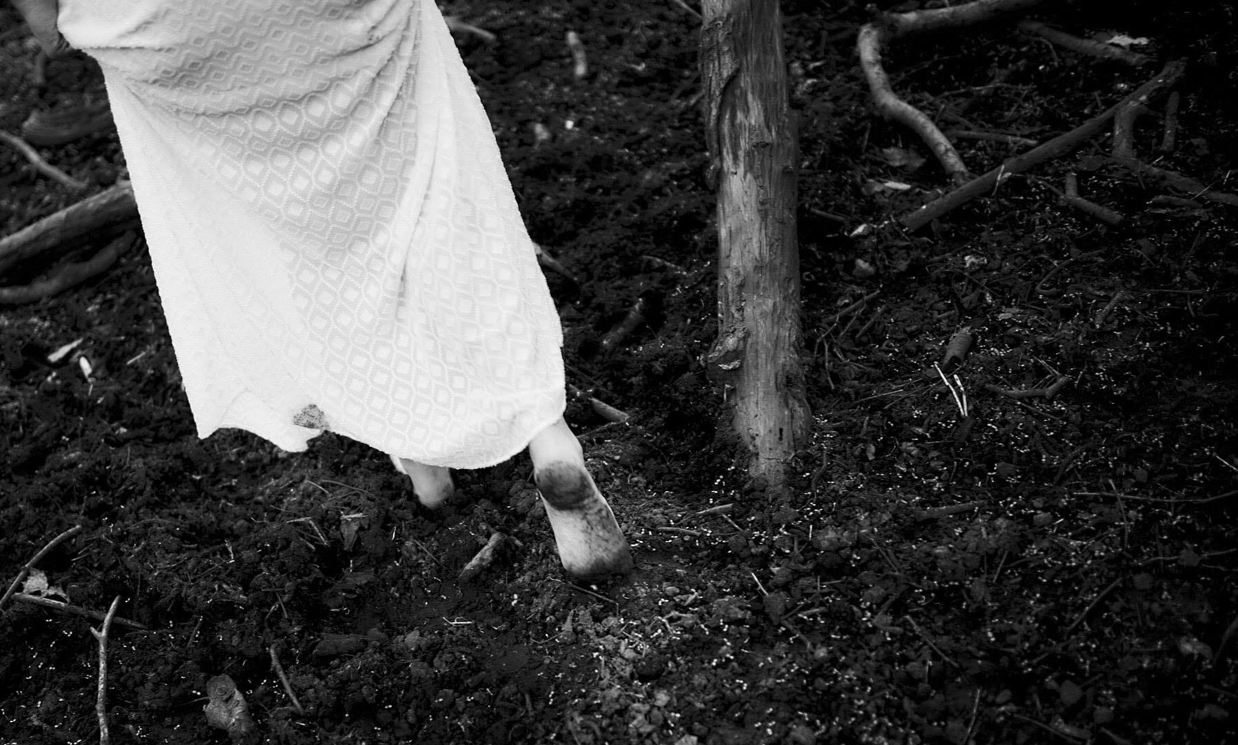 Fine-art Nude, Aktfotografie | Lost in the Swamp 6